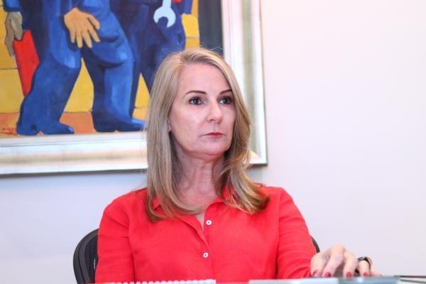 Mirian questiona afirmações de Fruet em entrevista