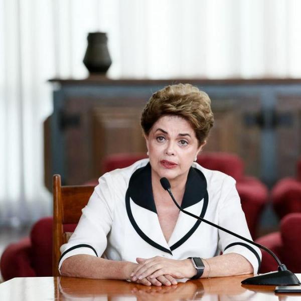 Dilma se atrapalha em entrevista no Norte de Minas e áudio viraliza