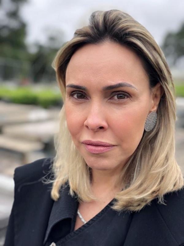 Ratinho Junior anuncia Letícia Ferreira na PGE