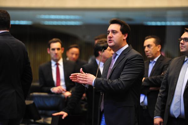 Ratinho Jr quer que Copel e governo Cida suspendam reajuste de 15,99% na tarifa de energia