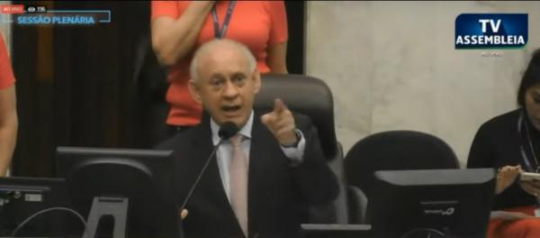 Traiano: presidente da Assembleia se irritou com manifestante