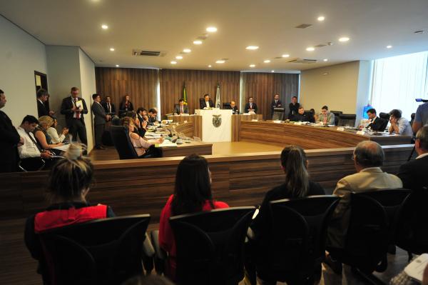 CCJ da Assembleia: projeto permite pagamento de diárias para despesas de viagem, e reajuste automático anual de verba