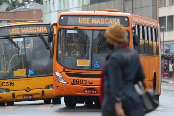 Segundo TCE, transporte coletivo não está cumprindo regra de manutenção de distanciamento social