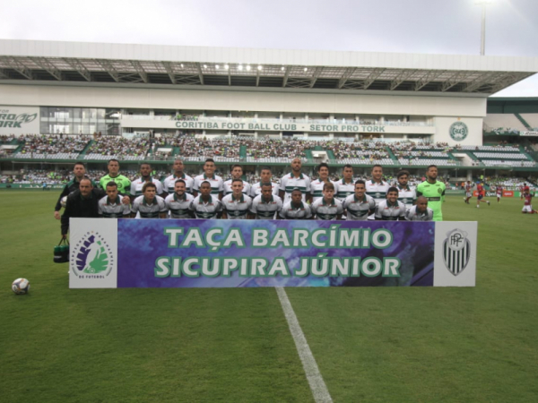 O time do Coritiba, antes do confronto com o Toledo
