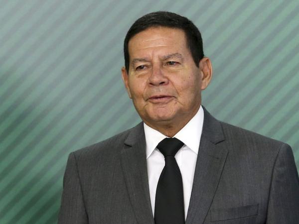 Mourão: decreto atende a compromisso de campanha de Bolsonaro