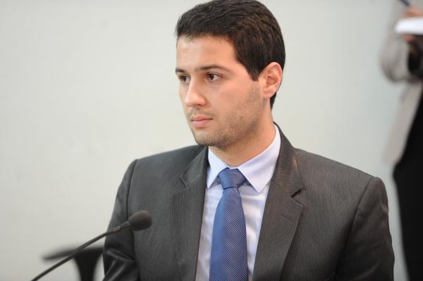 """Paulo Litro (PSDB): """"Ele (Beto Richa) não fará parte do diretório, mas continuará como membro do partido"""""""