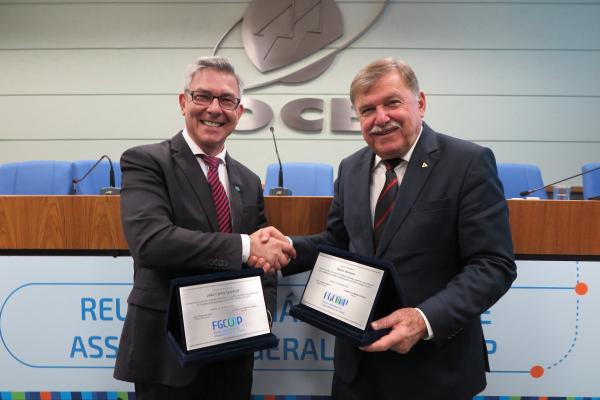 Com exercício até o ano de 2022, João Spenthof foi eleito presidente do Conselho de Administração da Assembleia Geral do Fundo Garantidor das Cooperativas de Crédito