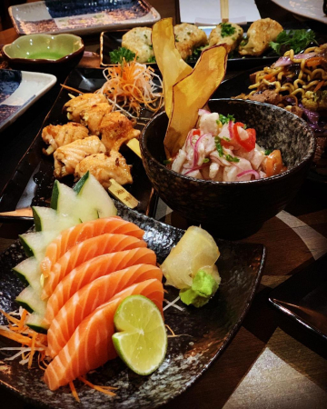 Pratos do Sushi Lounge Concept