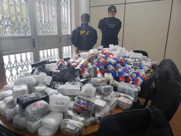 Policial militar é preso com carregamento de R$ 2 milhões em anabolizantes