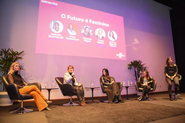 A jornalista e empreendedora Thays Beleza, a engenheira Nara Haberland, da Bosch; a empreendedora Isabella Quartarolli, da How Educations; e Nayara Rogal, coordenadora de cultura da Ebanx.