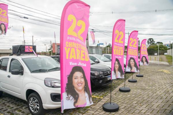 Três wind-flags foram roubados na avenida Silva Jardim, na altura do Hospital Pequeno Príncipe, segundo a assessoria da candidata