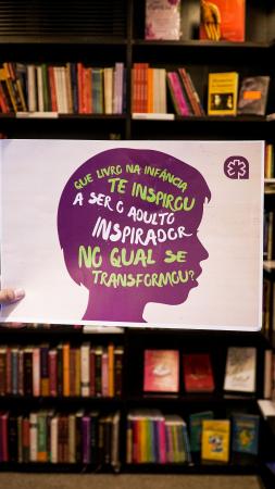 Ação realizada na Livraria da Vila, em Curitiba.