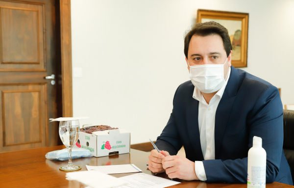 Ratinho Jr: governador decidiu fazer teste após assessor ter constatado contaminação