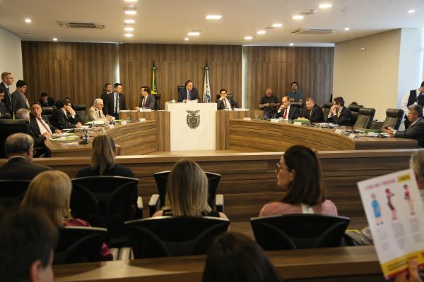CCJ: proposta de fim da licença-prêmio sofre resistência da própria base do governo na Assembleia