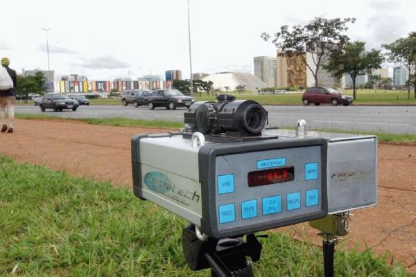 Deputados alegam que proposta está em sintonia com iniciativa já implantada nas rodovias federais por Bolsonaro