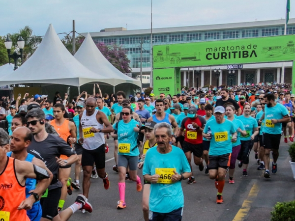 Largada da Maratona de Curitiba em 2018