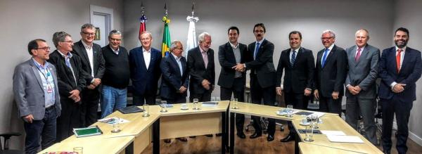 Ratinho Junior realiza encontro técnico com diretoria doG-7 e da Itaipu Binacional