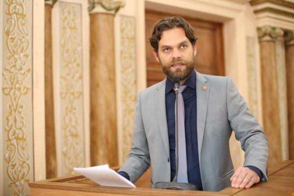 Dos 19 vereadores de Curitiba que se candidataram a deputado, apenas Goura foi eleito