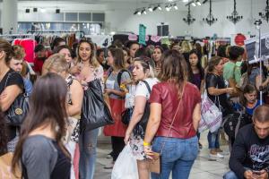 Fim de semana tem bazares de moda, vinil e até terapias holísticas em Curitiba. Confira