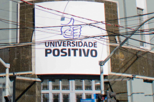 Universidade de Curitiba cancela 12 cursos para novos ingressantes