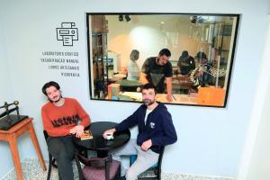 Em Curitiba, literatura combina com café, harmoniza com vinho e vice-versa