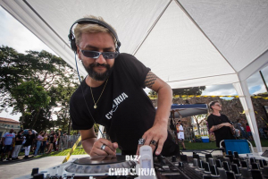 CWB na Rua reúne grandes nomes da música eletrônica de Curitiba no sábado. Saiba onde