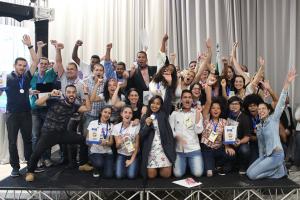 Estudantes do Paraná levam seus projetos para feira de empreendedorismo em Londrina