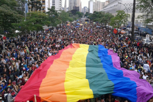 20ª Parada da Diversidade LGBTI de Curitiba vai chamar a atenção para a transfobia. Saiba detalhes