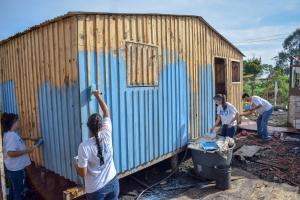 TETO vai construir 26 moradias emergenciais em Curitiba neste final de semana