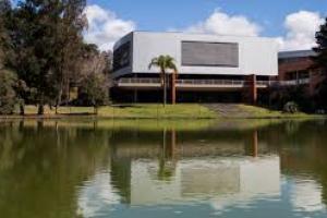Universidade Positivo retoma atividades práticas a partir de segunda