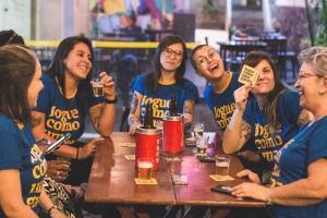 'Jogue Como Uma Garota': PEITA lança edição especial de camiseta para celebrar a Copa do Mundo Feminina