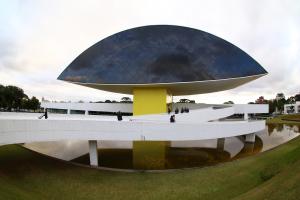 Museu Oscar Niemeyer registra recorde de público em 2019 com 377.737 visitantes