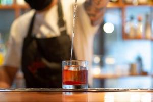 Doze bares e restaurante de Curitiba participam da Negroni Week