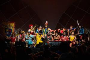 Blocos de carnaval, sarau literário, open de feijoada e torcida para miss: 15 rolês aleatórios em Curitiba