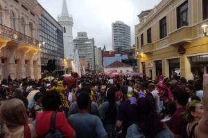 Veja dicas de segurança para curtir os blocos de carnaval em Curitiba