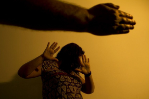 50,9% dos jovens acham a possessividade masculina o principal motivo do feminicídio no Brasil, diz pesquisa