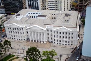 DCE da UFPR lança campanha #UniversidadenaRua para mostrar pesquisas à população de Curitiba