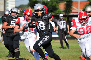 No Paraná, futebol americano também é para elas