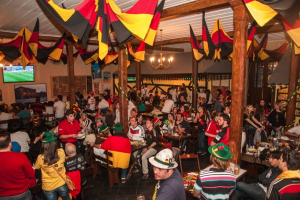 Bar do Alemão comemora 40 anos com a sua própria 'Oktoberfest'