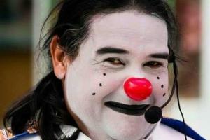 Palhaço Chameguinho completa 31 anos de carreira com festa na Rua XV de Novembro