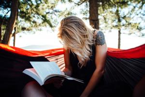 Sororidade intelectual: livros escritos por mulher para mulheres