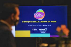 Programa destinará 12 mil bolsas de R$ 3 mil a artistas e produtores culturais paranaenses