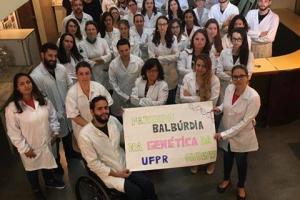 Em protesto a corte de verbas, estudantes da UFPR ironizam 'balbúrdias' em página no Facebook