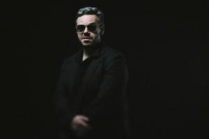 Do rock raiz gaúcho, Frank Jorge se apresenta na sexta em Curitiba
