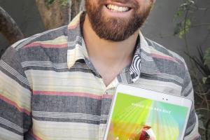 'A Mochila do Coração', obra  de um curitibano, é o livro mais vendido da Amazon Brasil