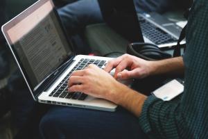 5 dicas para estudar online e se preparar para os vestibulares de julho