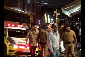 Clientes acusam dono de bar tradicional de Curitiba de racismo e violência contra mulher