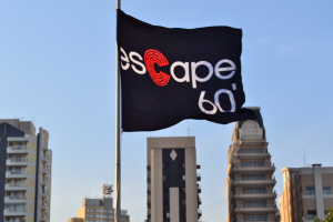 Escape 60, rede de jogos de fuga, comemora quatro anos e faz promoção em Curitiba. Veja