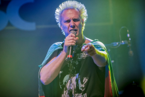 Supla faz 'esquenta' neste domingo para festa de 10 horas no Hard Rock no dia 13 de julho