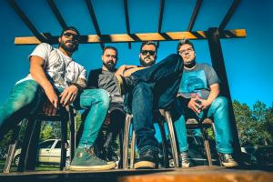 Hard Rock Cafe Curitiba estreia palco na Pedreira Paulo Leminski com artistas da cena local